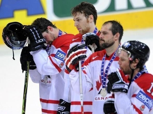 Сборная России похоккею вновь стала чемпионом мира. Изображение № 10.