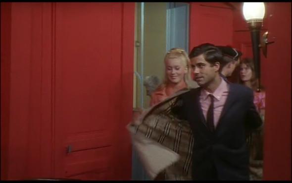 Movie-Looks: «Шербурские зонтики». Изображение № 32.