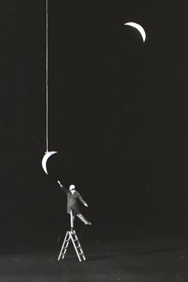 Еще восемь фотографов сюрреалистов. Изображение № 150.