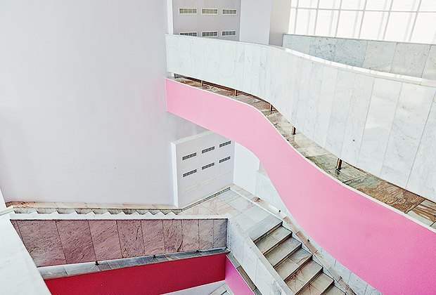 Фантастически красивые советские интерьеры в Культурном центре ЗИЛ. Изображение № 2.