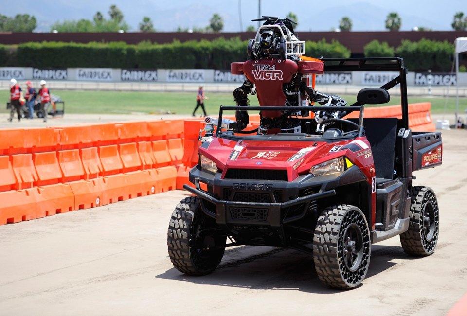Фото и видео: роботы Boston Dynamics занимаются странными вещами. Изображение № 6.
