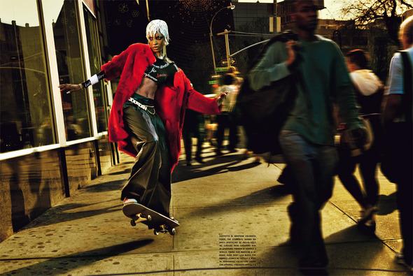 Быстрее, выше, сильнее: Модные съемки, вдохновленные спортом. Изображение №24.