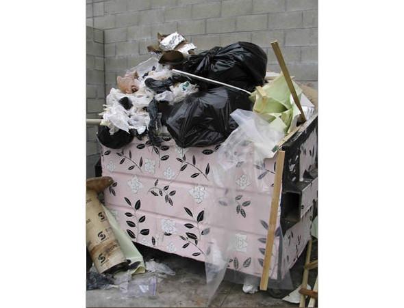 Мусорные контейнеры от Джин Финли. Изображение № 3.