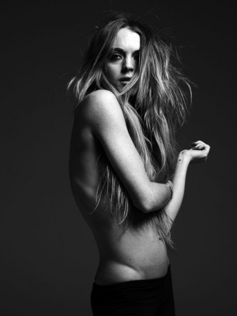 LINDSAY LOHAN BY HEDI SLIMANE PHOTOSHOOT. Изображение № 5.