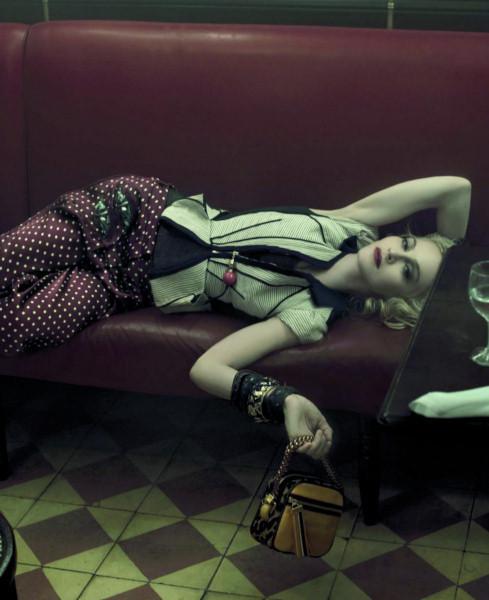 Мадонна в новой рекламе Dolce & Gabbana. Изображение № 6.