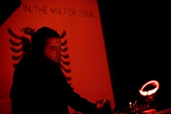 Танцы втемноте: электронная сцена вКосово. Изображение № 3.