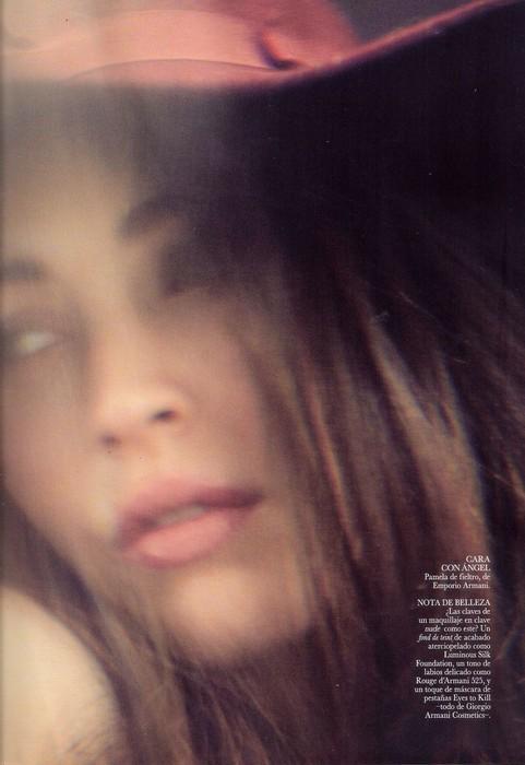 Съемка: Меган Фокс для испанского Vogue. Изображение № 4.