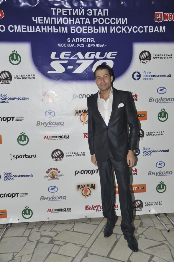 Звезды поддержали спорт на третьем этапе чемпионата России по смешанны. Изображение № 6.