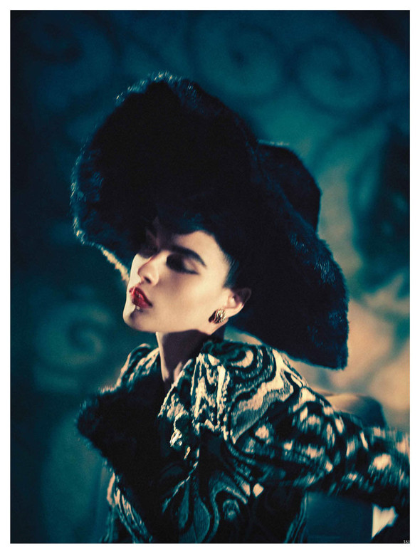 Съёмка: Кристал Ренн для немецкого Vogue. Изображение № 8.