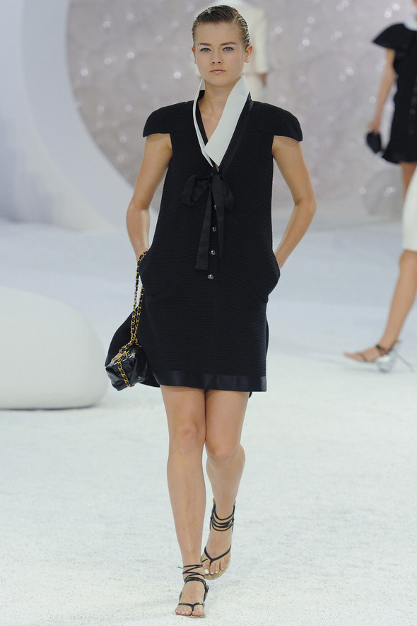 Chanel на Парижской неделе моды. Изображение № 16.