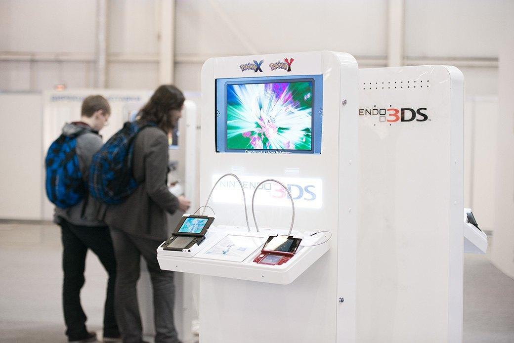 Косплей, киберспортсмены, PS4 и Xbox One на выставке «ИгроМир-2013». Изображение № 6.
