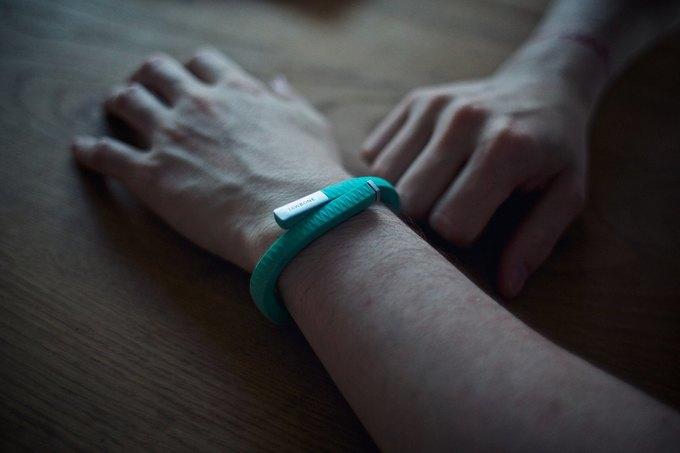 Jawbone подала второй иск против Fitbit . Изображение № 1.