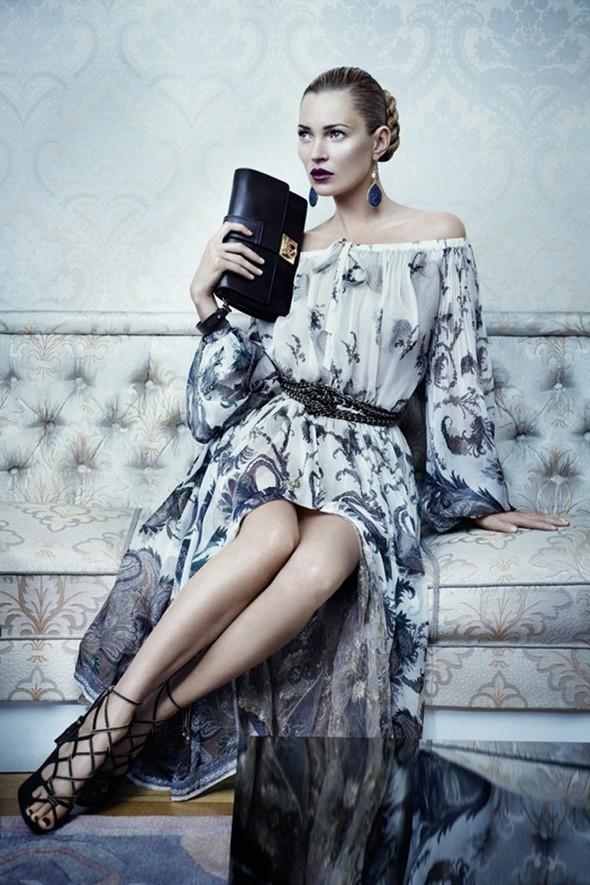 Кампании: Balenciaga, Celine, Dolce & Gabbana и другие. Изображение № 35.