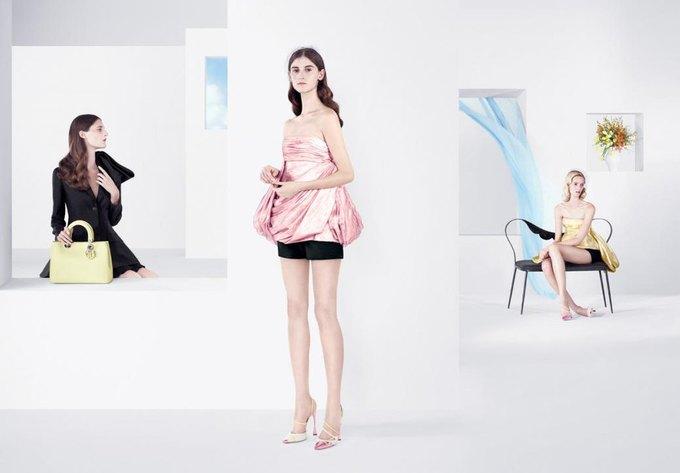 Раф Симонс выпустил весенне-летнюю рекламу Dior. Изображение № 4.