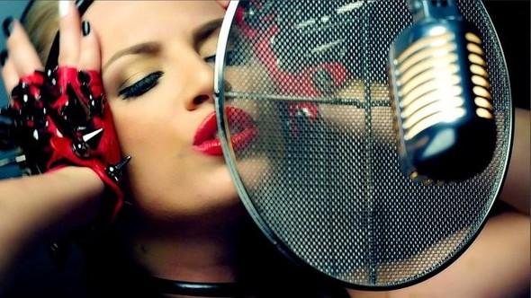Русская певица Grace V попала в историю чарта Billboard. Изображение № 3.