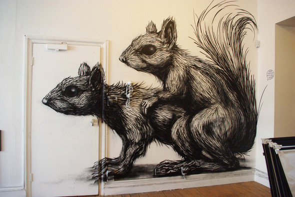 Животный стрит-арт от бельгийского граффитчика ROA. Изображение № 30.