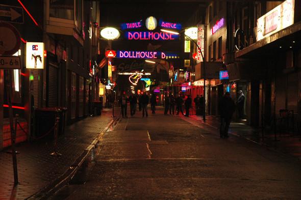 Улица Reeperbahn. Изображение № 26.