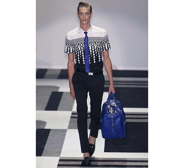 Трансляция показа новой мужской коллекции Gucci. Изображение № 10.