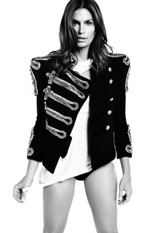 Cindy Crawford, Vogue Spain July 2009. Изображение № 3.