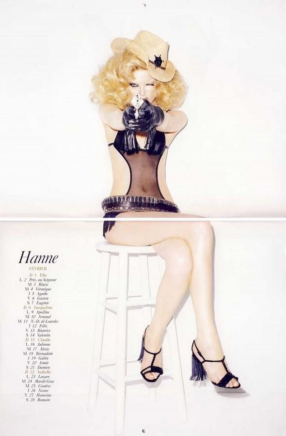 Vogue Paris 2008-2009-2010 Calendar. Изображение № 16.