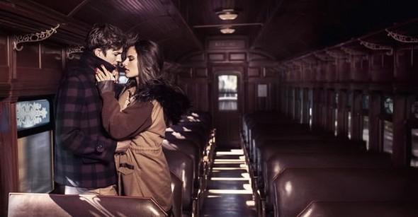 Alessandra Ambrosio и Ashton Kutch для Colcci. Изображение № 9.