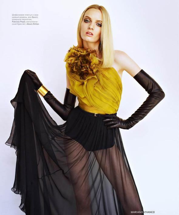 Съёмка: Дарья Строкоус для российского Vogue. Изображение № 4.