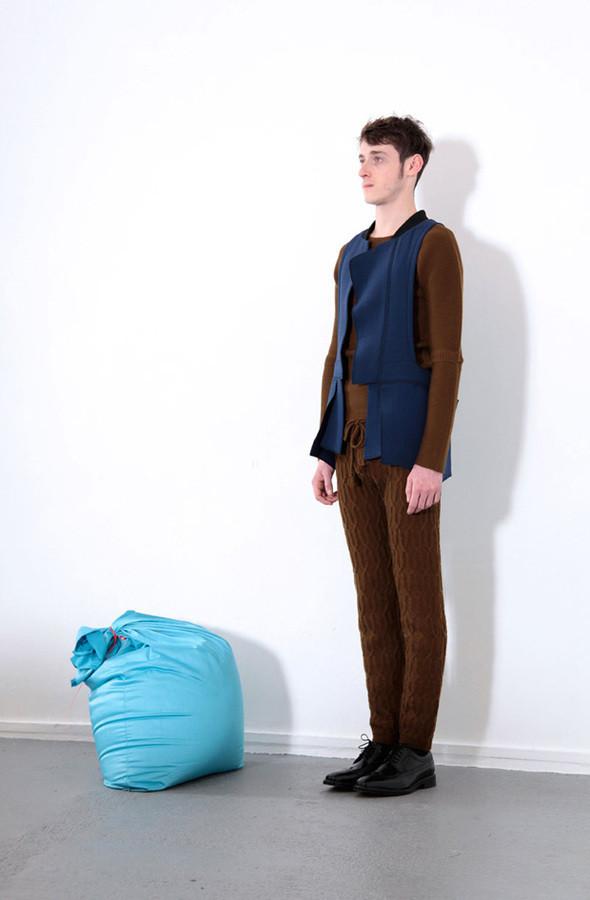 Изображение 3. Мужские лукбуки: Bally, Dolce & Gabbana, Supreme и другие.. Изображение № 3.