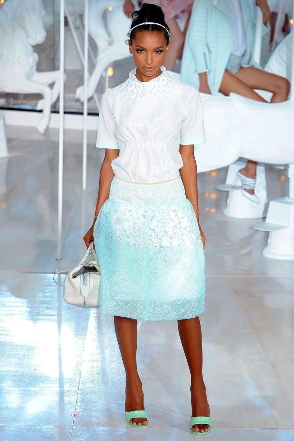 Неделя моды в Париже: Louis Vuitton весна 2012. Изображение № 11.