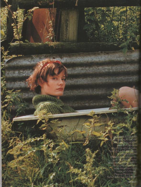 Архивная съёмка: Тим Уокер для Vogue, 1996. Изображение № 2.