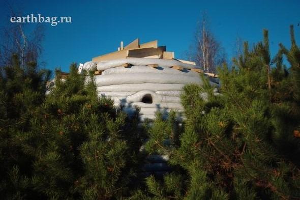 Проапокалиптический DIY - купол из мешков с землей - Earthbag building. Изображение № 13.