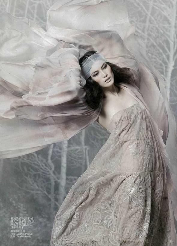 Съёмка: Суй Хэ для китайского Vogue. Изображение № 3.