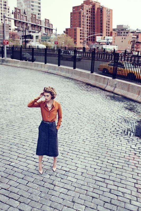 Съёмка: Аризона Мьюз для британского Vogue. Изображение № 7.