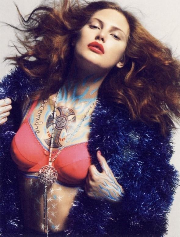 Vogue Paris 2008-2009-2010 Calendar. Изображение № 13.