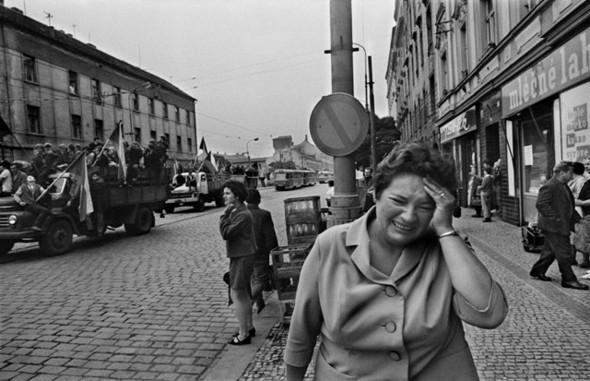 """Книга Йозефа Коуделки. """"Вторжение 68 Прага"""". Изображение № 4."""
