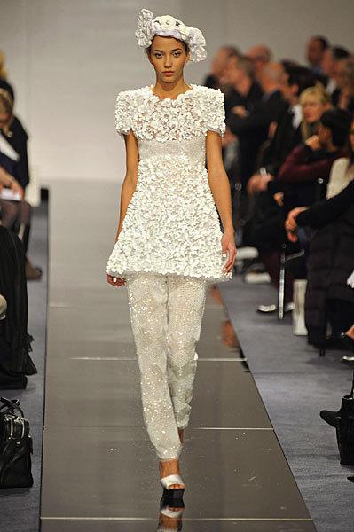 Chanel Spring 2009 Haute Couture. Изображение № 2.