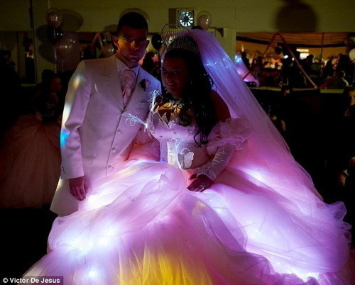 Изображение 8. Цыганские невесты и их свадебные платья.. Изображение № 5.