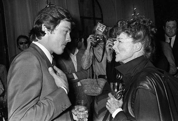 Кэтрин Хепбёрн с Ален Делоном. Изображение № 63.