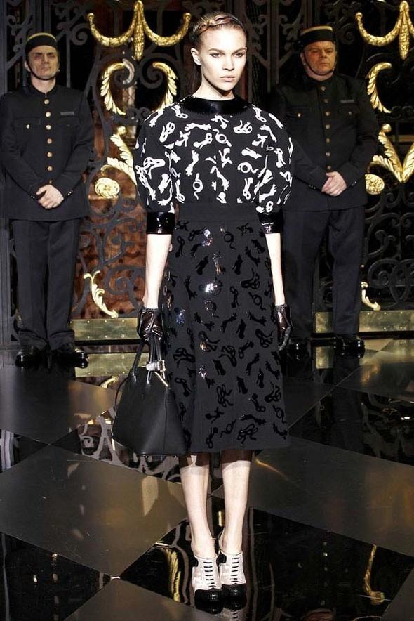 Изображение 23. Louis Vuitton Fall 2011.. Изображение № 23.