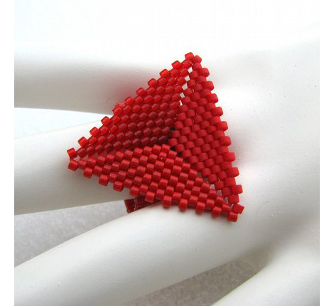 Изображение 8. Четыре цвета: красный.. Изображение № 8.