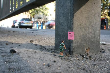 Большая жизнь маленьких людей от Slinkachu. Изображение № 6.