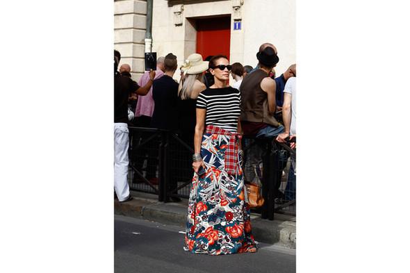 Уличный стиль на Неделе высокой моды в Париже. Изображение № 12.