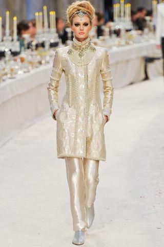 Chanel показали пре-осеннюю коллекцию. Изображение № 68.