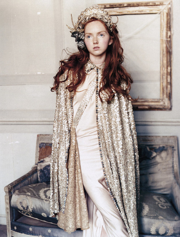 Архивная съёмка: Лили Коул для британского Vogue, 2004. Изображение № 2.