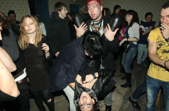 Короли вечеринок: 10 фотографов, снимающих светские и молодежные тусовки. Изображение № 78.