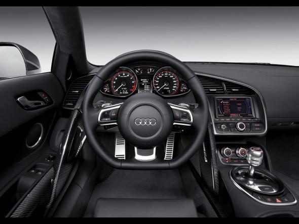 Audi R8 52 FSIquattro. Изображение № 2.
