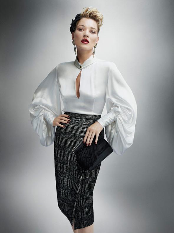 Съёмка: Кейт Мосс для британского Vogue. Изображение № 8.