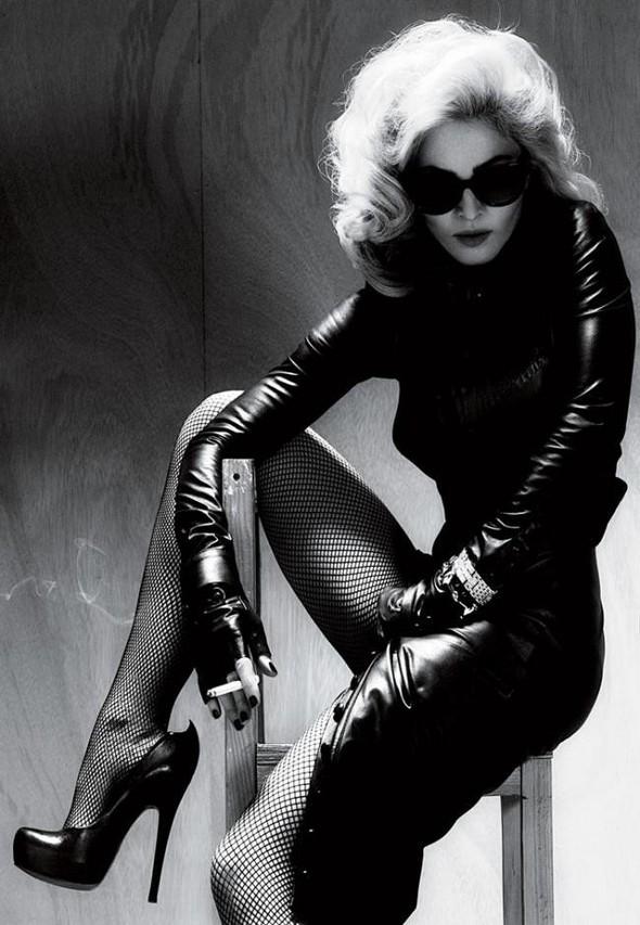 Мадонна в фото Мерта Аласа и Маркуса Пигготта для журнала Interview. Изображение № 6.