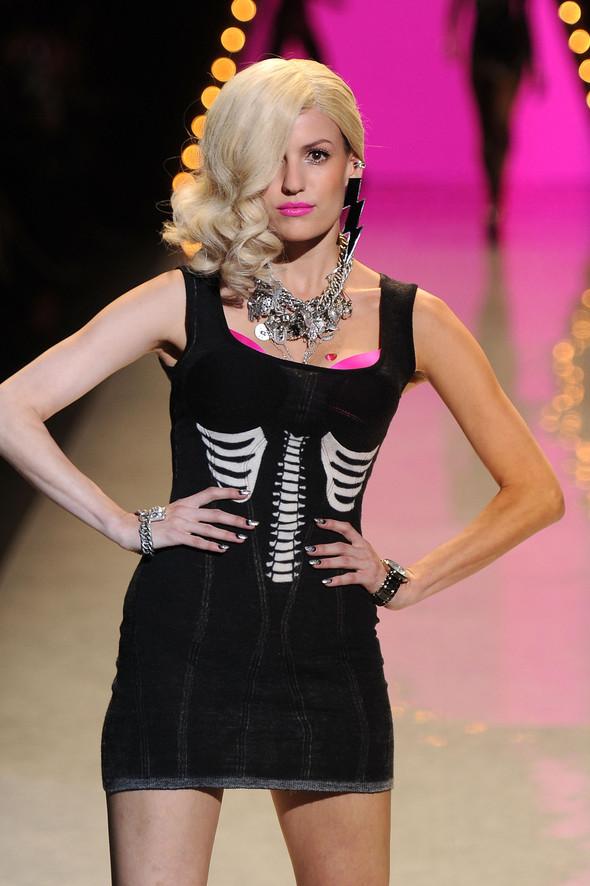 New York Fashion Week: Betsey Johnson Spring 2012. Изображение № 60.