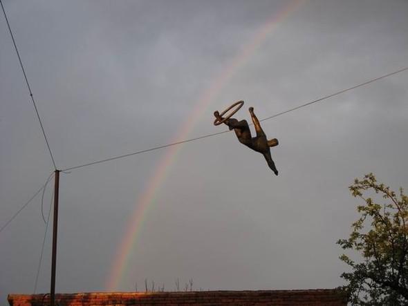 Скульптуры Джерзи Кедзиоры, парящие в воздухе. Изображение № 52.