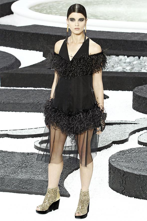 Карл Лагерфельд показал одну из самых красивых коллекций, когда-либо созданных для Chanel. Изображение № 60.